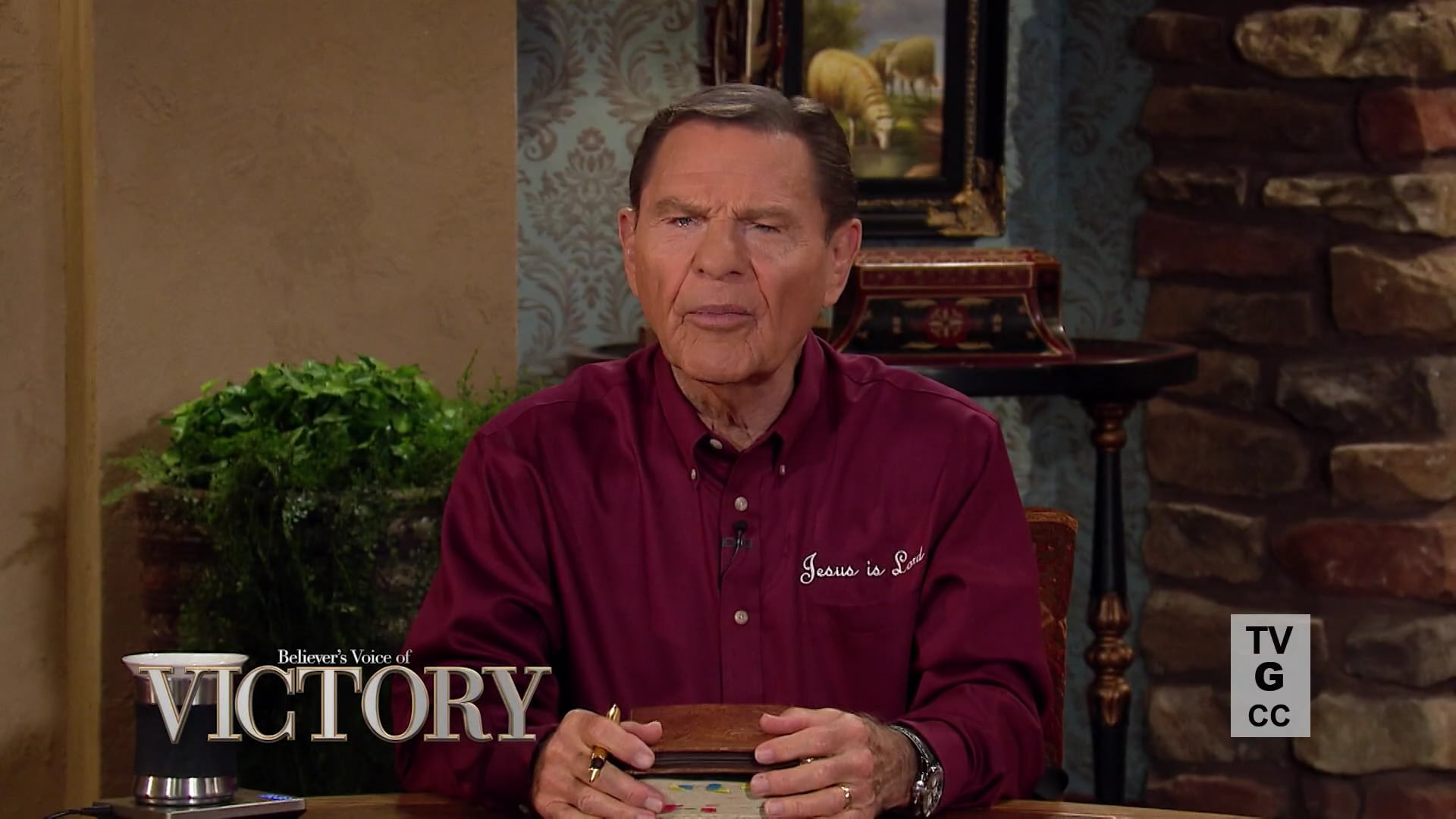 You have authority as a believer! Watch Believer's Voice of Victory as Kenneth Copeland joins Mark and Trina Hankins for a powerful discussion about how the spirit of faith moves mountains by speaking words of victory—and not words of fear. Learn how to tell your mountain to move, and watch it disappear!