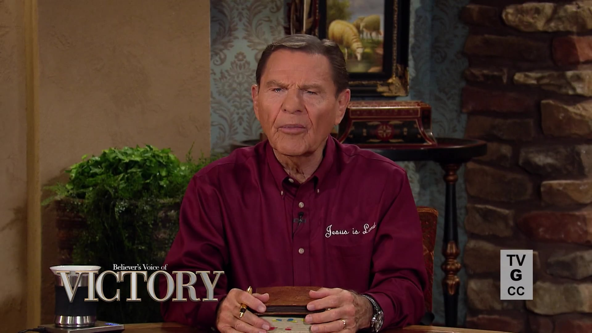 Why is it important to study the fundamentals of faith? Watch Believer's Voice of Victory as Kenneth Copeland joins Mark and Trina Hankins for a powerful discussion about how to build the spirit of faith through time meditating on The WORD of God. When revelation knowledge comes, your victory is on the way!