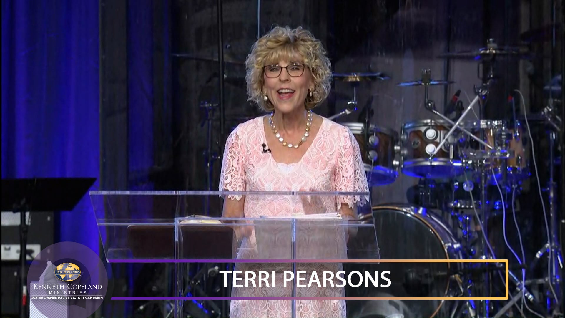 Join Terri Copeland Pearsons at the 2021 Sacramento Victory Campaign. This is the victory that overcomes the world that is falling apart—our faith! Learn how to aim your faith and your prayers. Hear the two sides of prayer and how it takes both to bring the will of God to pass. Prayer is rooted in love!