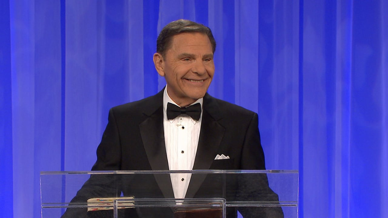 "Join Kenneth Copeland as he speaks during this Monday evening, December 31, 2018 New Year's Eve service at Eagle Mountain International Chuch. What about 2019? Hear a special message about what the Lord has in store for this new year of ""Abundant Harvest!"""