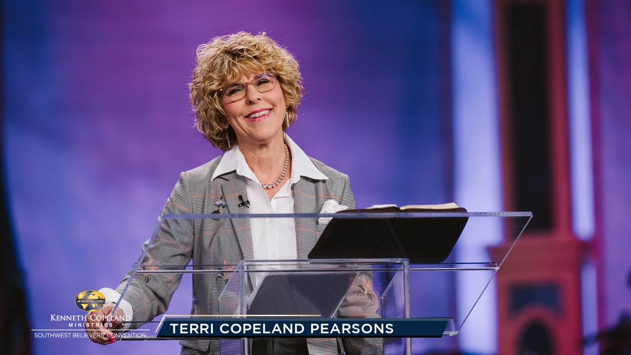 Pastor Terri Copeland Pearsons prays the Lord's Prayer from a place of victory and authority. Can you pray with authority and humility at the same time? Learn how at the 2019 Southwest Believers' Convention. God's kingdom is being released in the earth; righteousness, peace and joy in the Holy Spirit!