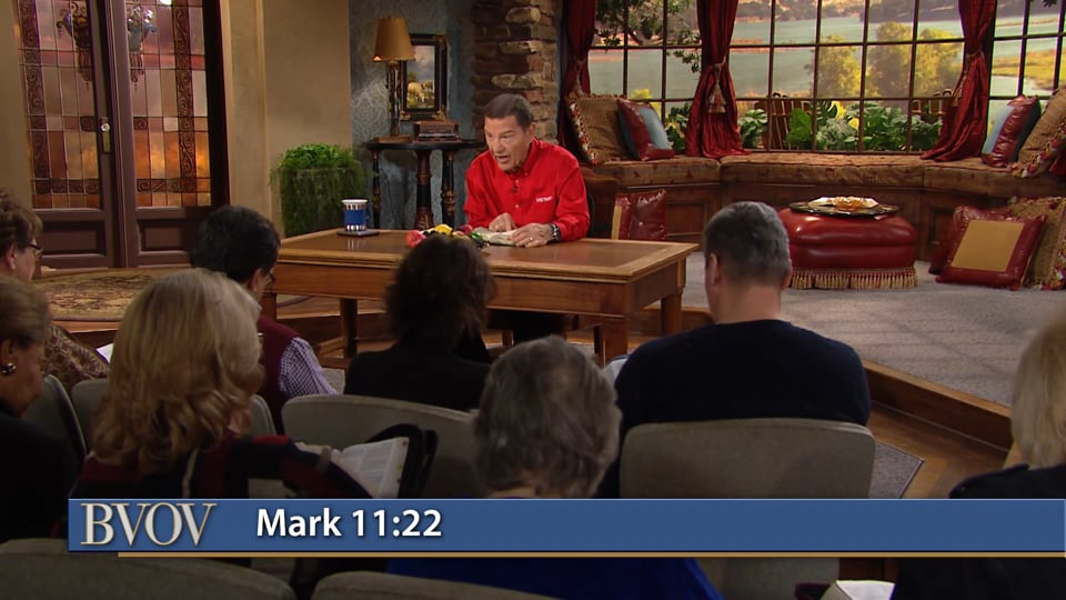 Understanding the covenant name change will revolutionize your life! Join Kenneth Copeland on Believer's Voice of Victory as he teaches you the significance of the New Covenant and the covenant name change. Learn how taking your father's last name on earth is connected with your new name under the covenant!