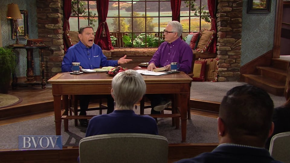 Our healing covenant with God blesses others! Join Kenneth Copeland and professor Greg Stephens on Believer's Voice of Victory as they teach how your assignment is to share God's covenant of redemption, healing and prosperity with the world. If you really want to share Jesus with people, you've got to share the covenant promises!