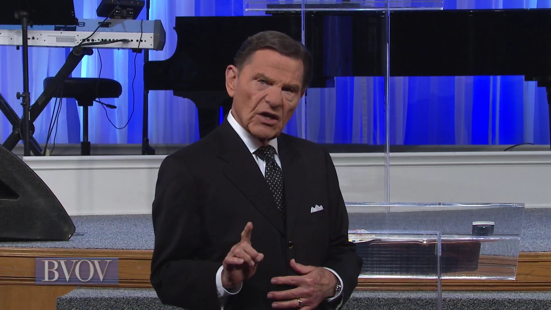 Don't let symptoms do all the talking! Watch Believer's Voice of Victory as Kenneth Copeland teaches how you can believe your covenant promise of healing every time and defeat the devil's attempts to put sickness and disease on you. Don't believe the contradiction; believe the covenant!