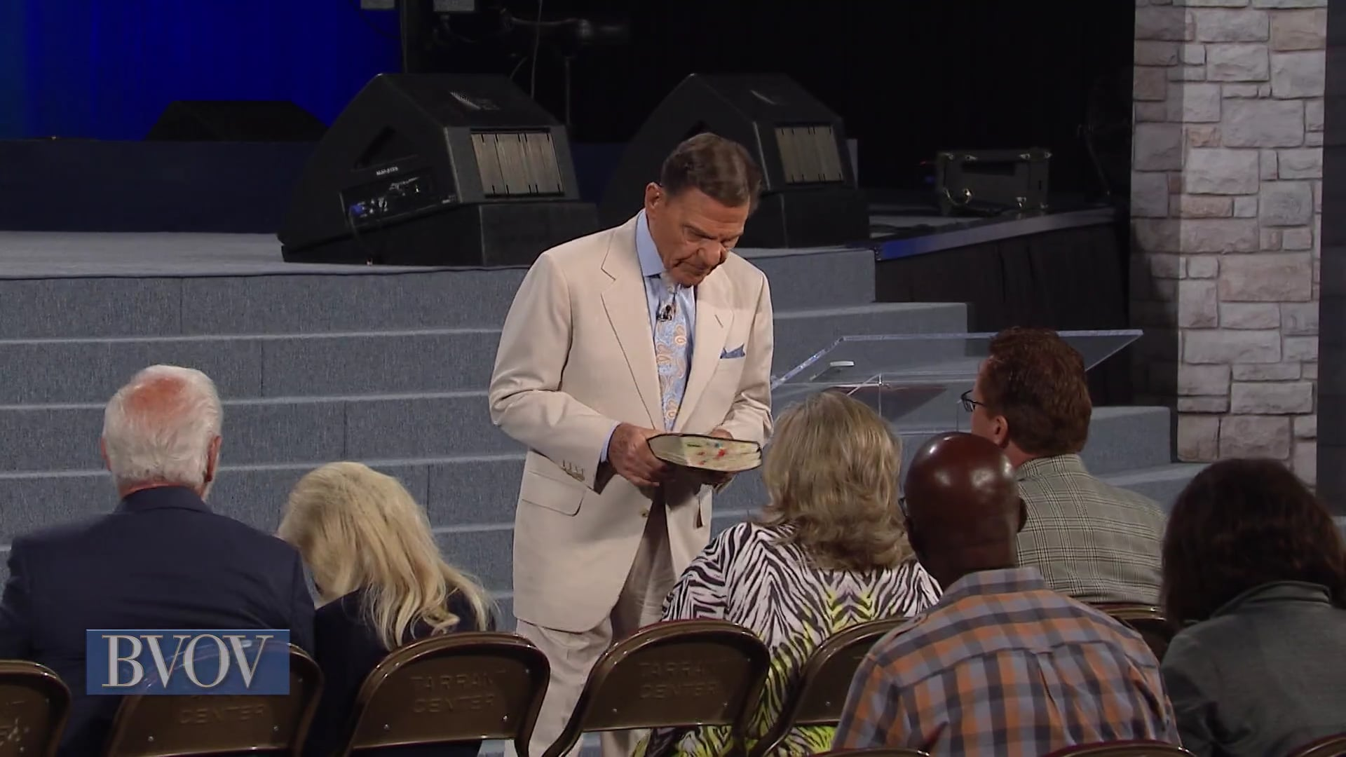Why do so few people receive healing? Join Kenneth Copeland on Believer's Voice of Victory as he answers the question by digging into God's chesed covenant of healing. Learn how God's covenant with you is an expression of His mercy, kindness and goodness. You can lean on your covenant for your healing with complete confidence!