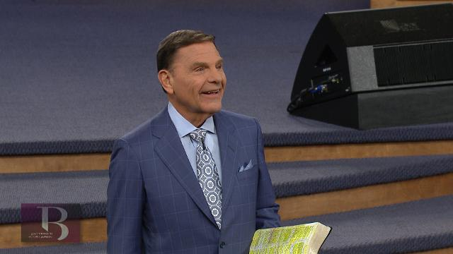 Kenneth Copeland shares what it's like to live loved by the Father, during the Friday evening message of the 2017 Branson Victory Campaign.