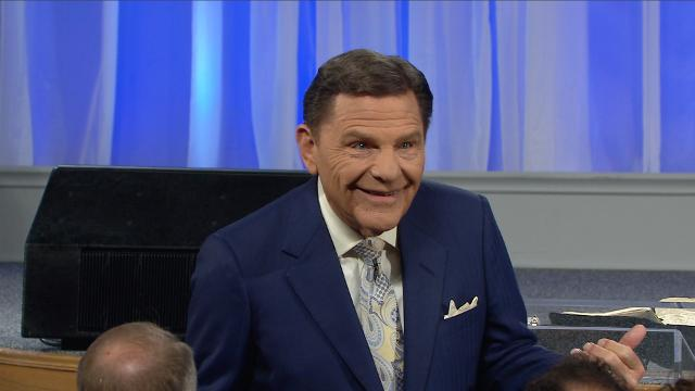 Watch Believer's Voice of Victory with Kenneth Copeland and learn how to stop managing fear, and how to get rid of it completely. When you truly believe the unfailing love God has for you, fear will flee—no matter the situation!