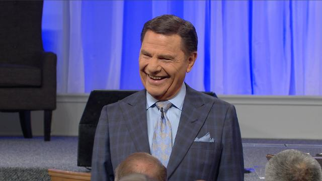 When you obey God and rest in the love He has for you, THE BLESSING will go to work in your life! Watch Kenneth Copeland share on Believer's Voice of Victory how THE BLESSING is always working and is ready to overtake you!