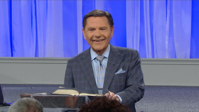 God has given everyone a choice in life—they can choose life or death, blessing or cursing. Watch Kenneth Copeland on Believer's Voice of Victory as he shares how THE BLESSING and the curse are spiritual forces already at work, and it's up to you to choose life!