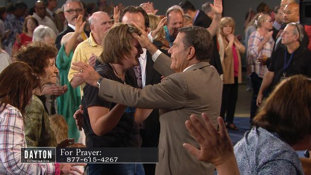 Take part in this healing service during the 2017 Dayton Victory Campaign with Kenneth Copeland. Hear about how your spiritual senses can be trained to receive your healing.