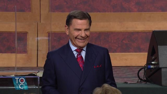 Watch the final session of the 2017 Toronto Victory Campaign as Kenneth Copeland shares about believing the love of God for you.