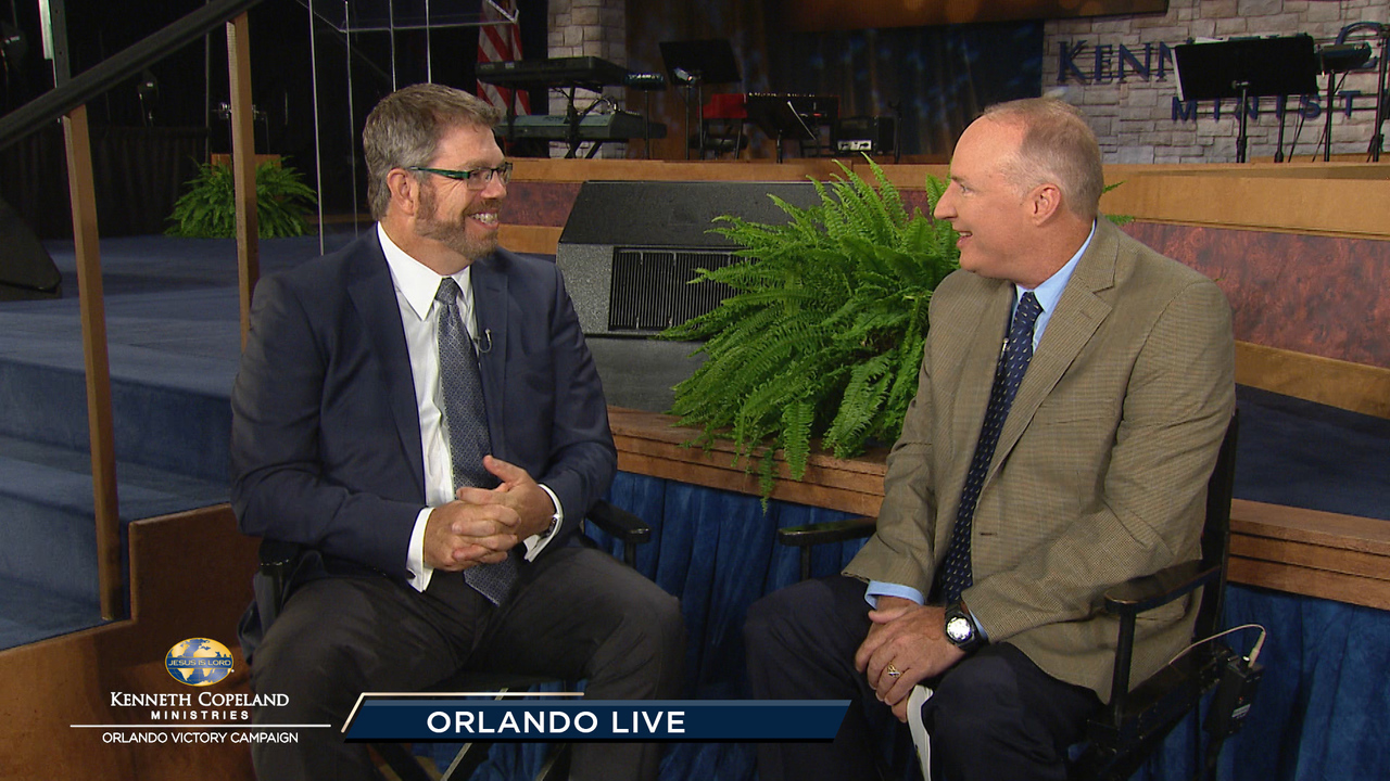 Join Tim Fox and his guest Pastor Tim Finlayson as they talk backstage at the 208 Orlando Victory Campaign. Also enjoy watching testimonies of healing from previous meetings.