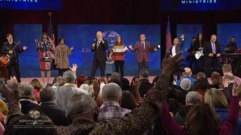 2019 Washington, D.C. Victory Campaign: Washington, D.C. Backstage/Pre-Service Prayer (8:30 a.m.)